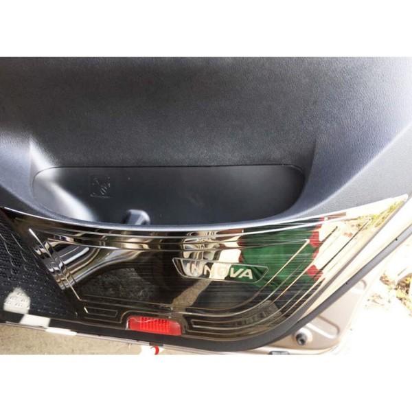 Innova (2018-2021) bộ 4 ốp tapli cửa mẫu titan dành cho xe Innova 2018 2019 2020 2021 giúp chống xước làm đẹp nội thất xe