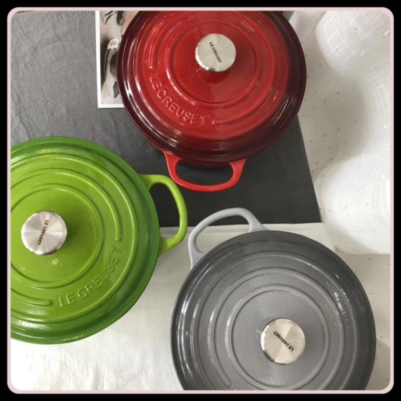 Le Creuset Signature Enameled Cast Iron Round Dutch Oven 24 cm Singapore