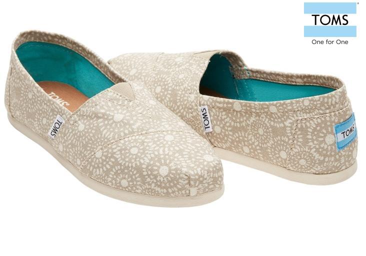 0031fec02a Buy TOMS Men Slip On Online   Loafers   Lazada