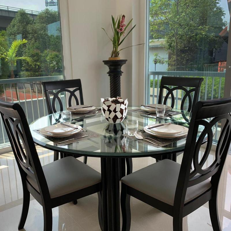 Glass Top Dining Table (Solid Wood Leg)