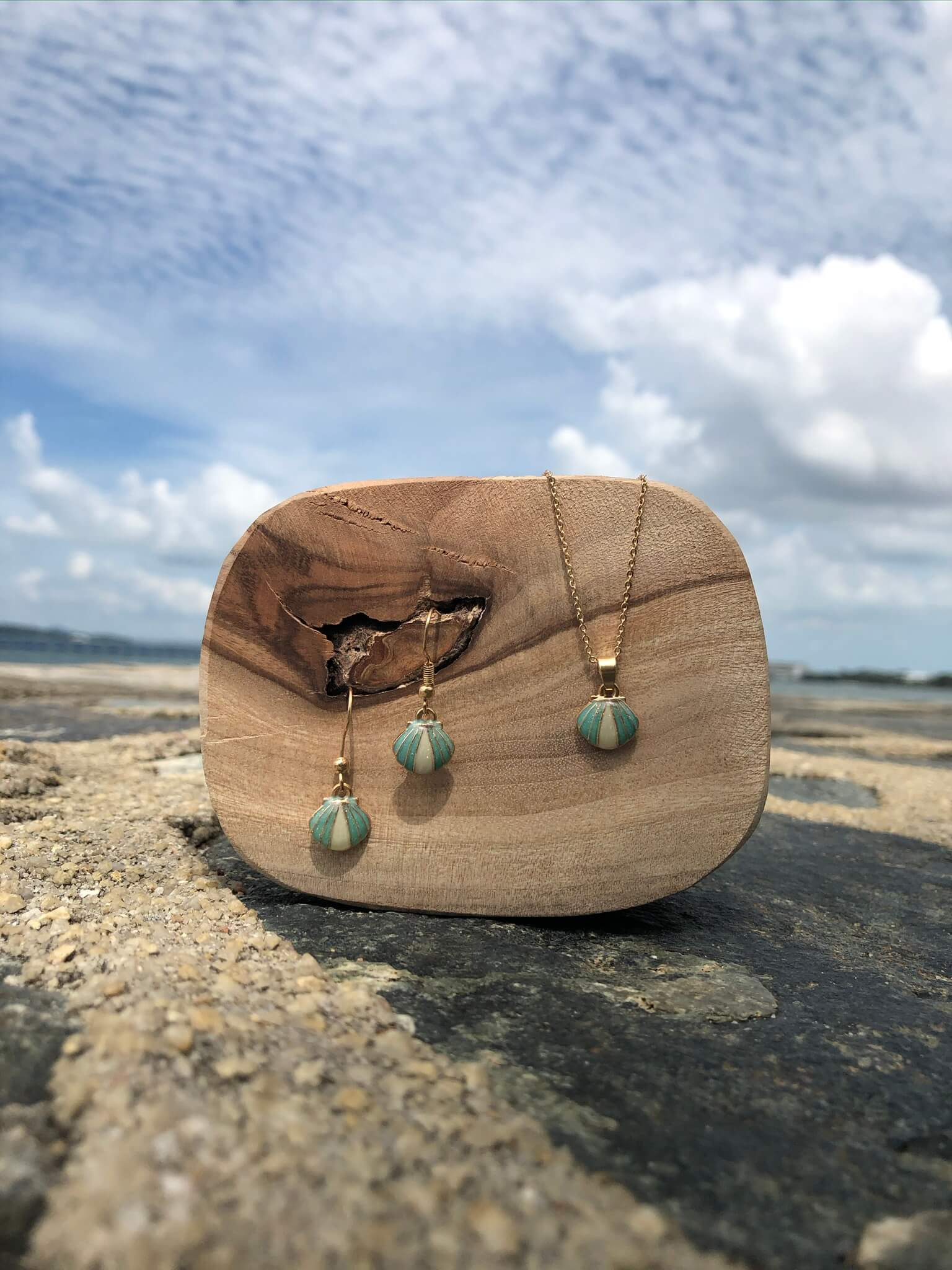 [harper Lily | Ocean Tales Collection] Shell Drop Earrings.