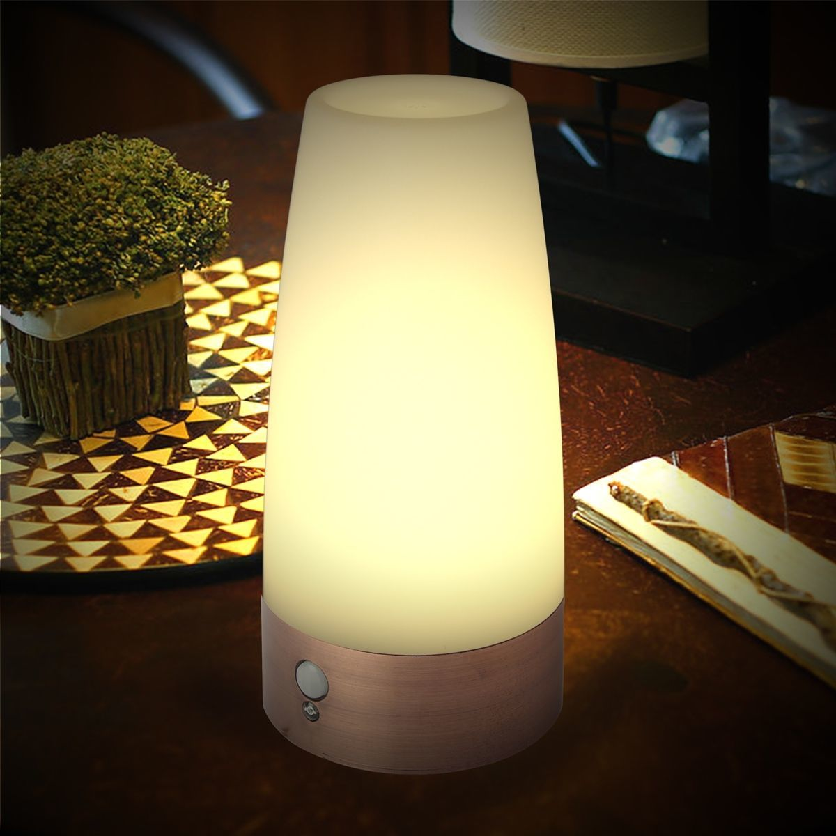 GAKTAI Wireless PIR Motion Auto Sensor Battery Operated LED Warm White Night Light Bedroom Table Lamp 3 Modes (Round)