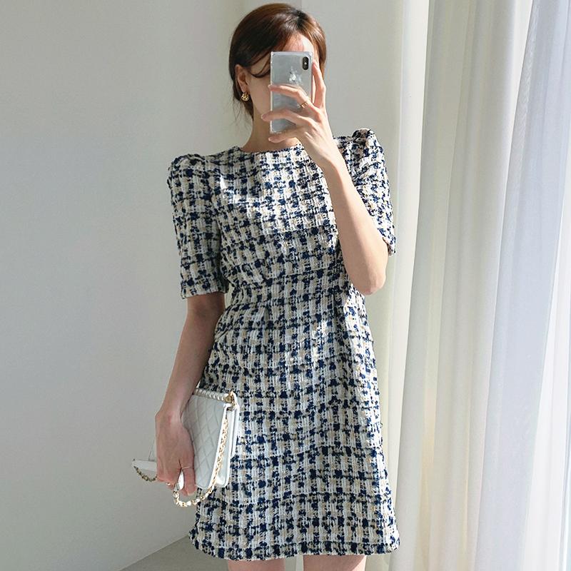 Hàn Quốc Chic Mùa Thu Tiểu Thư Ánh Sáng Cổ Tròn Bó Eo Tôn Dáng Tay Bồng Một Font Chữ Nỉ Thô Đầm Váy Ngắn Nữ