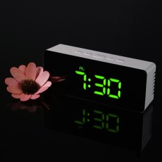 Digital LED Mirror Clock USB & Battery Operated 12H/24H �C/�F Display Alarm Clock with Snooze Function Adjustable LED Luminance - intl