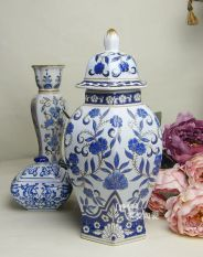 Get Cheap Retro Blue And White Ceramic European Storage Tank Jingdezhen Porcelain
