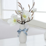 Best Buy Latest Model Hot Selling Artificial Fake Flowers With Vase Decorate With Living Room Bedroom White