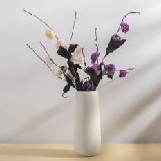 Modern Minimalist White Ceramic Home Dried Flowers Vase On China