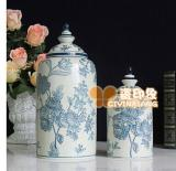 Retro Porcelain Hand Painted Blue And White Storage Tank For Sale