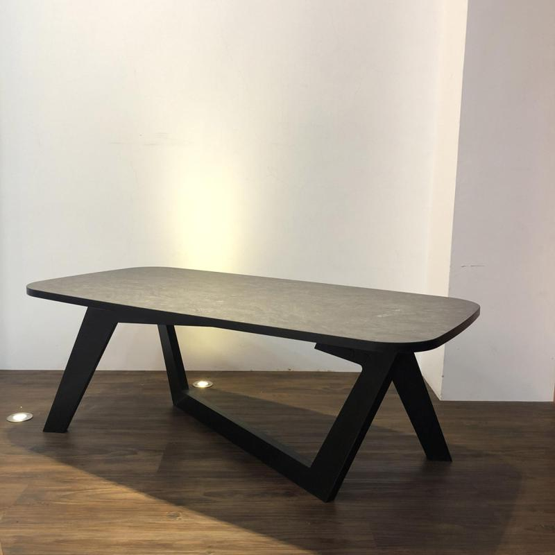 MORPH - Coffee Table Lily