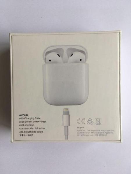 Brand New USA BNIB Apple Airpods earphones 2nd Generation wireless earphones with charging case Singapore