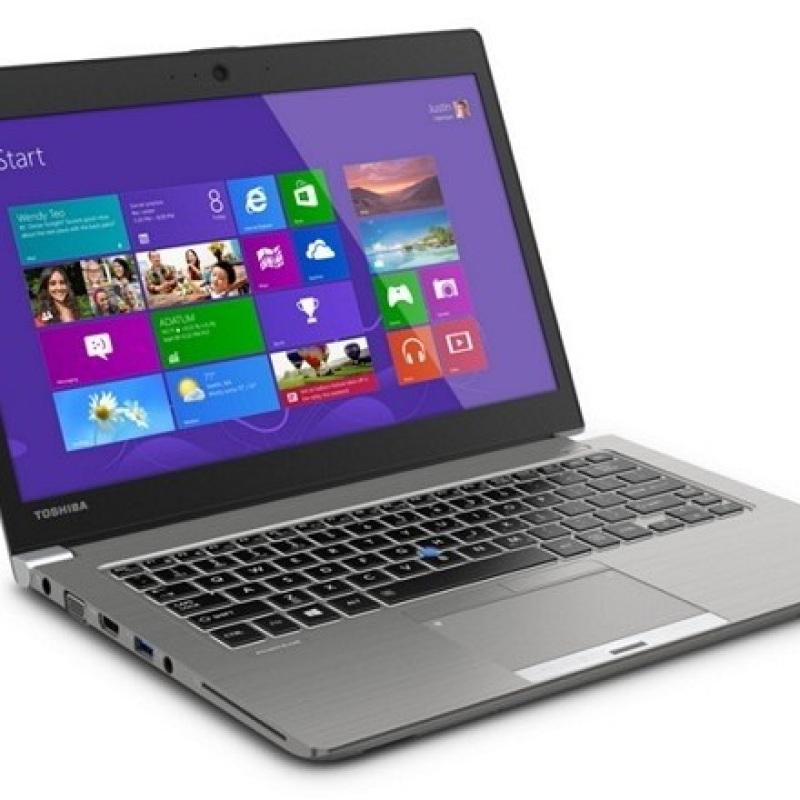 Toshiba Z30A i5 4th gen Ultrabook , 8GB Ram 256GB SSD, windows 10 , md office