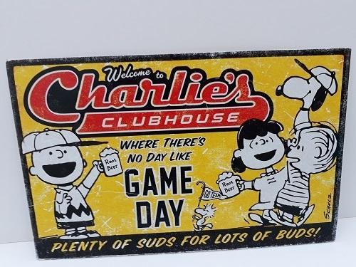 Hallmark Peanuts® metal sign - Clubhouse