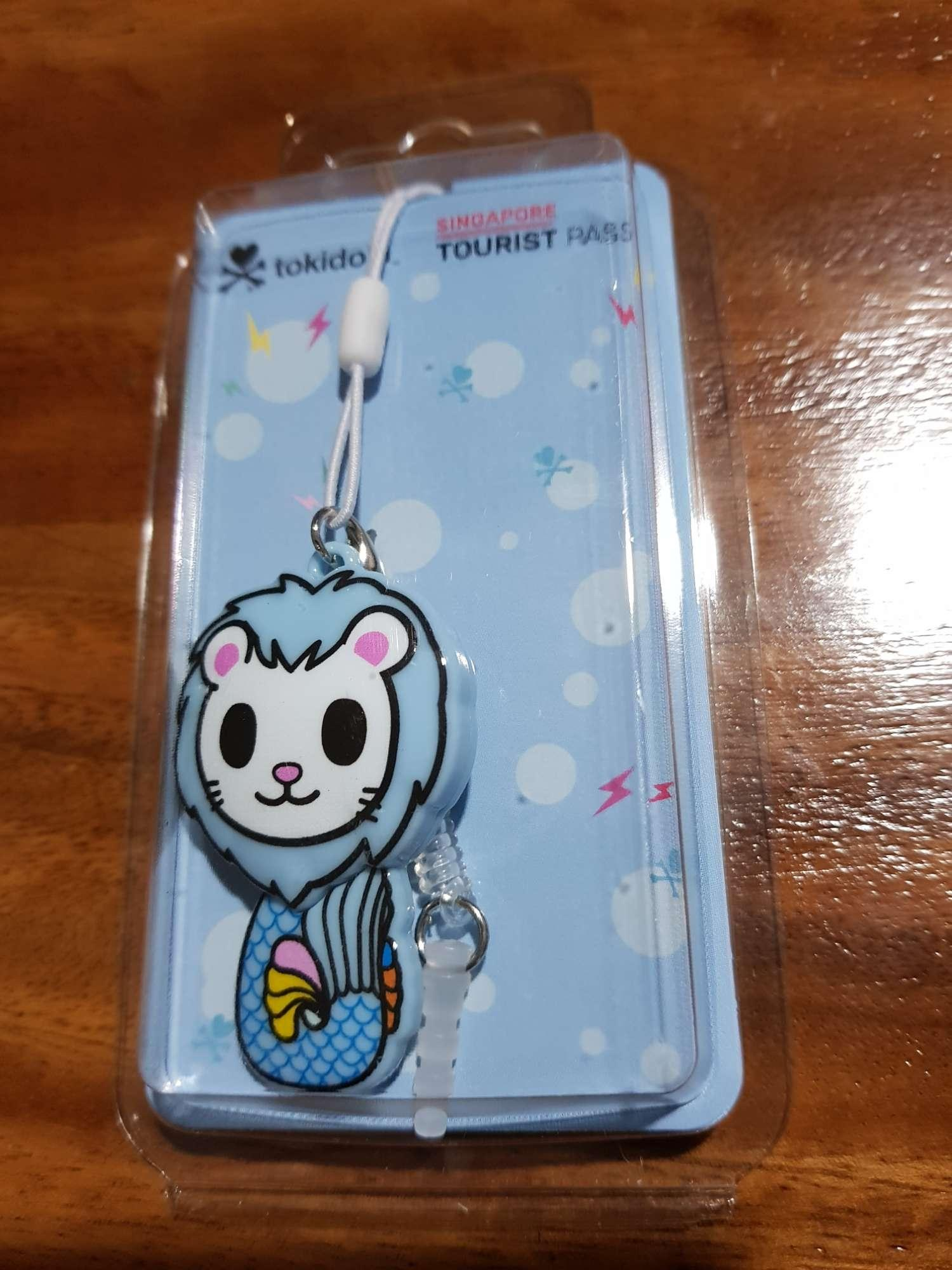 Merlion ezlink charm ($10 unlimited usage for the 1st day