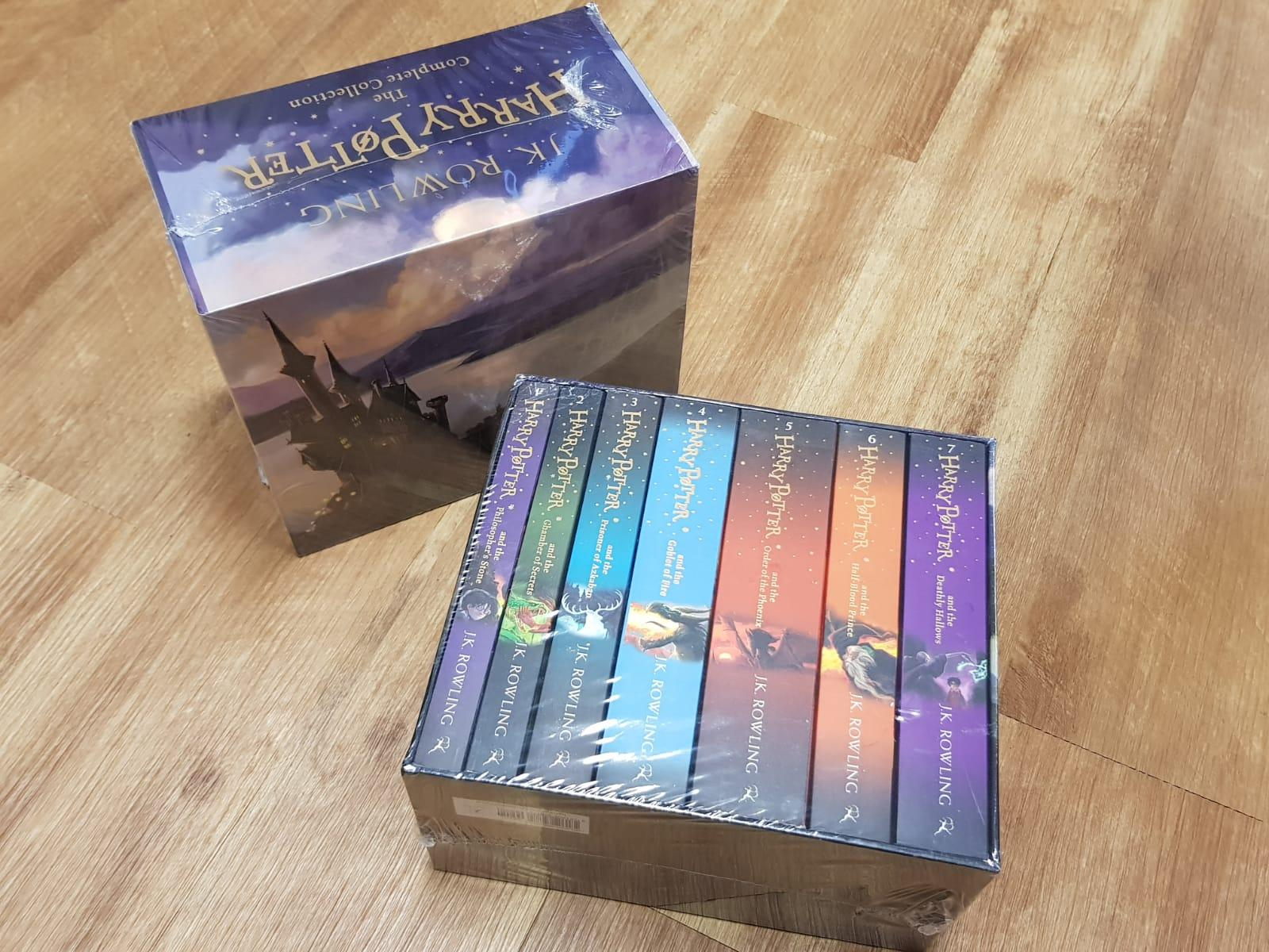Harry Potter Box Set - The Complete Collection (7 Books) -  J.K. Rowling