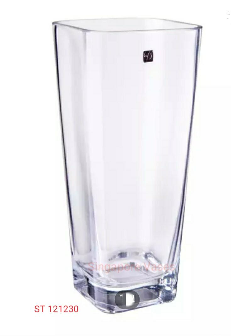Clear square tapered shaped glass vase, with 12cm x 12 xm opening and 30cm height