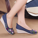 List Price Chinese Style Old Beijing New Style Chinese Clothing Cloth Shoes Classic Blue Oem