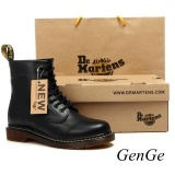 For Sale Classic British Fashion Martin Shoes Mens Womens Leather Shoes Retro Martin Boots Selling