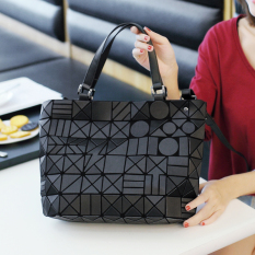 Buy Women S Rhombus Lattice Large Messenger Bag Black Light Black Light On China