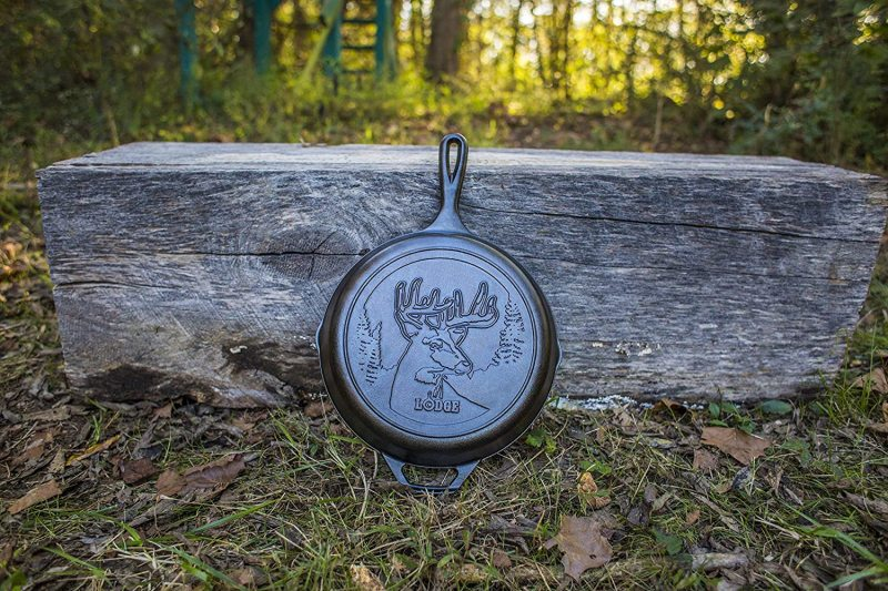 Lodge Wildlife Series 10.25 INCH Cast Iron Skillet Frying Fry Pan Frypan with Deer Animal Scene. MADE IN USA. Singapore
