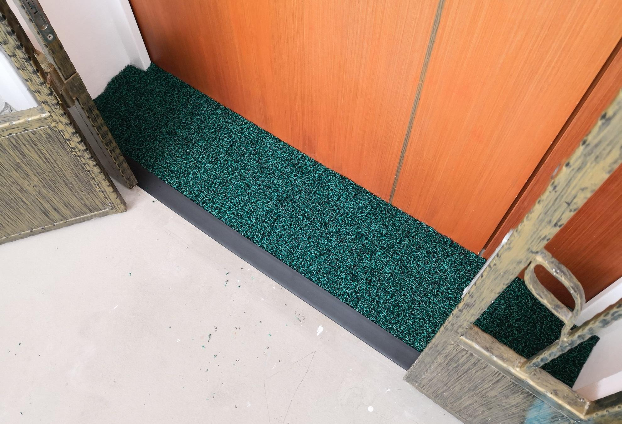 Passorex BTO HDB Door Gap Floor Mat 2.0   L120cm x 29cm @ L125cm x 27cm  Mat thickness T13mm+/-  Black/Green