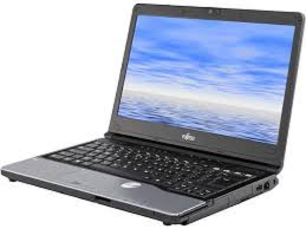 FUJITSU LIFEBOOK S762, I5-3210M, 4GB RAM, 500GB HDD, WINDOWS