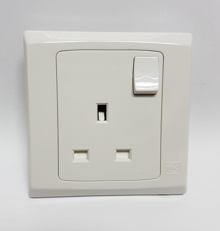 MK SLIMLINE PLUS 1 Gang/ 2 Gang 13A 250V Switch Socket Outlet