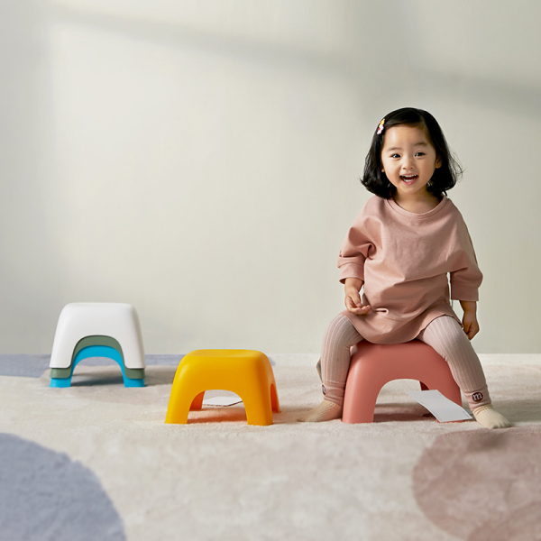 (Sold in a set of 4 chairs) Children Chair Plastic Stools Environmentally Friendly Stool Chair Game