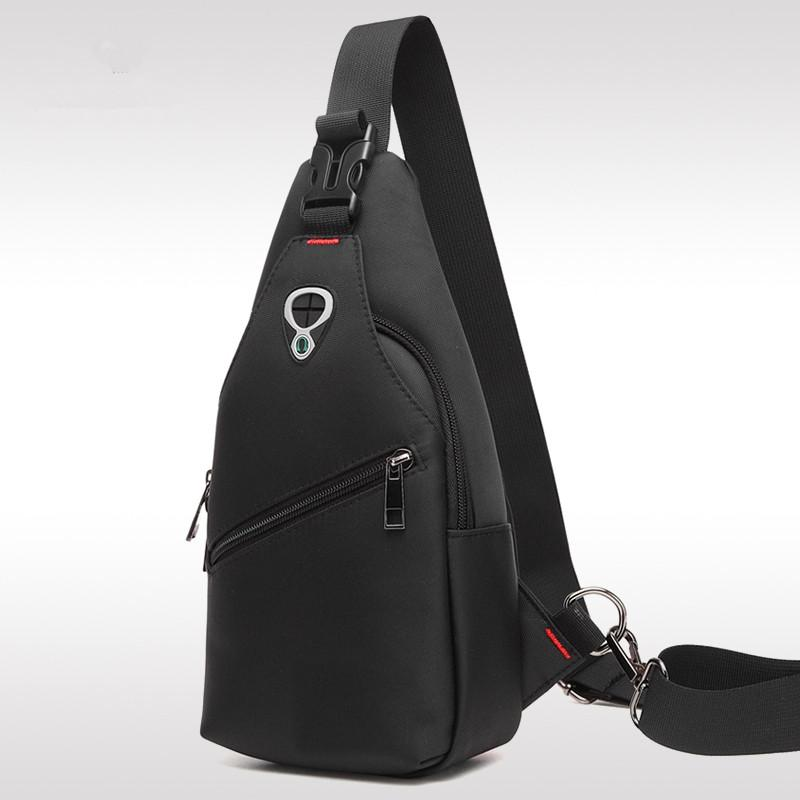 ARCTIC HUNTER Male Chest Bag Waterproof Oxford Cloth Crossbody Bag USB Charging Shoulder Bag