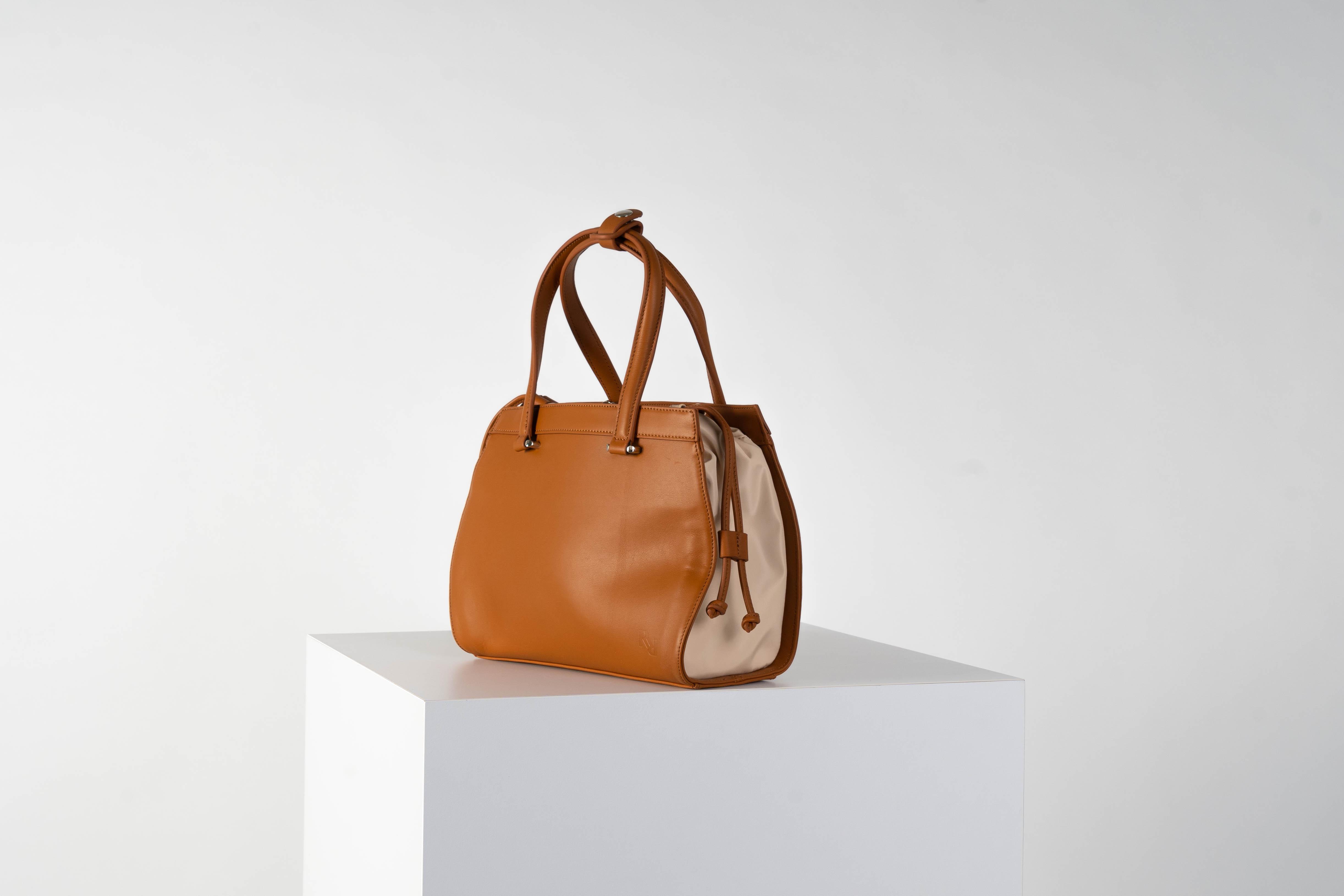 Gusset bag (beige interior)