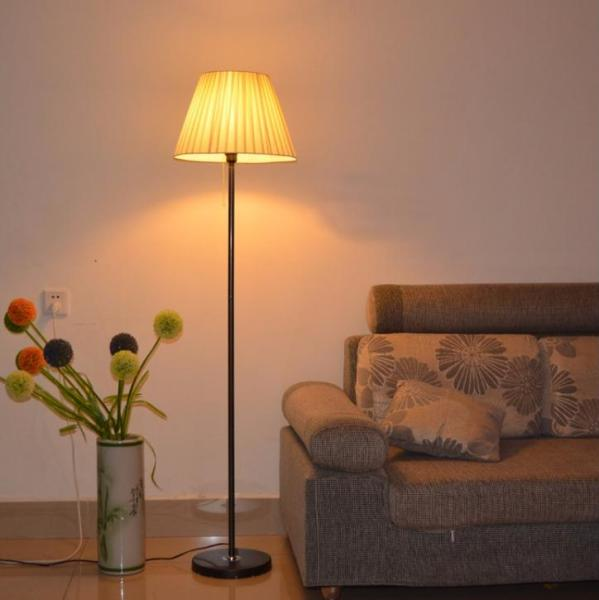 Simple Floor Lamp. Living Room Bedroom Bedside Table Lamp Black Pole Black Base+5wled