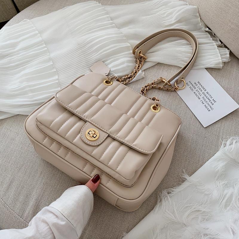 B: Big Book Bags Female 2019 New Style Fashion Korean Style Large Capacity Crossbody Bag Versatile Fashion Texture Chain Tote Bag