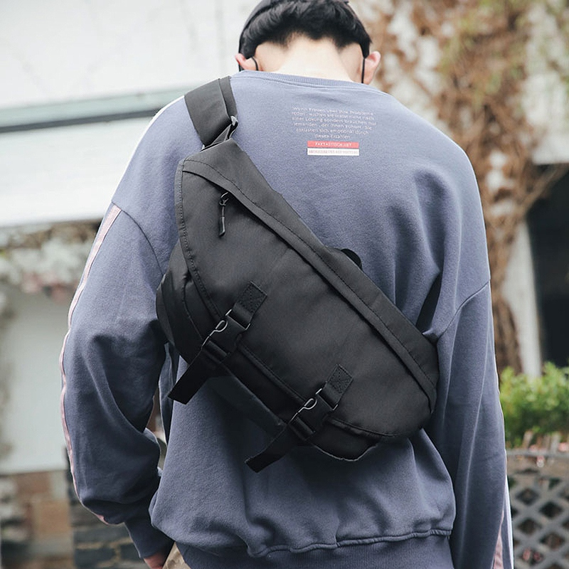 Street Fashion Shoulder Messenger Bag Mens Sports Cycling Bag Large Capacity Leisure Chest Bag Women Postman Bag Men Black
