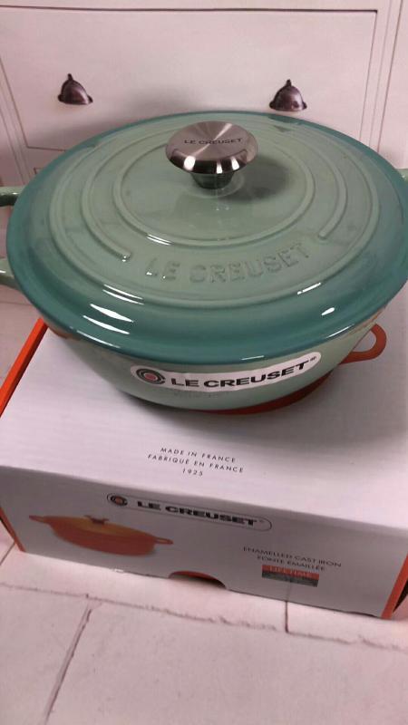 France Le Creuset Cooking Pot (diameter 26cm) Singapore