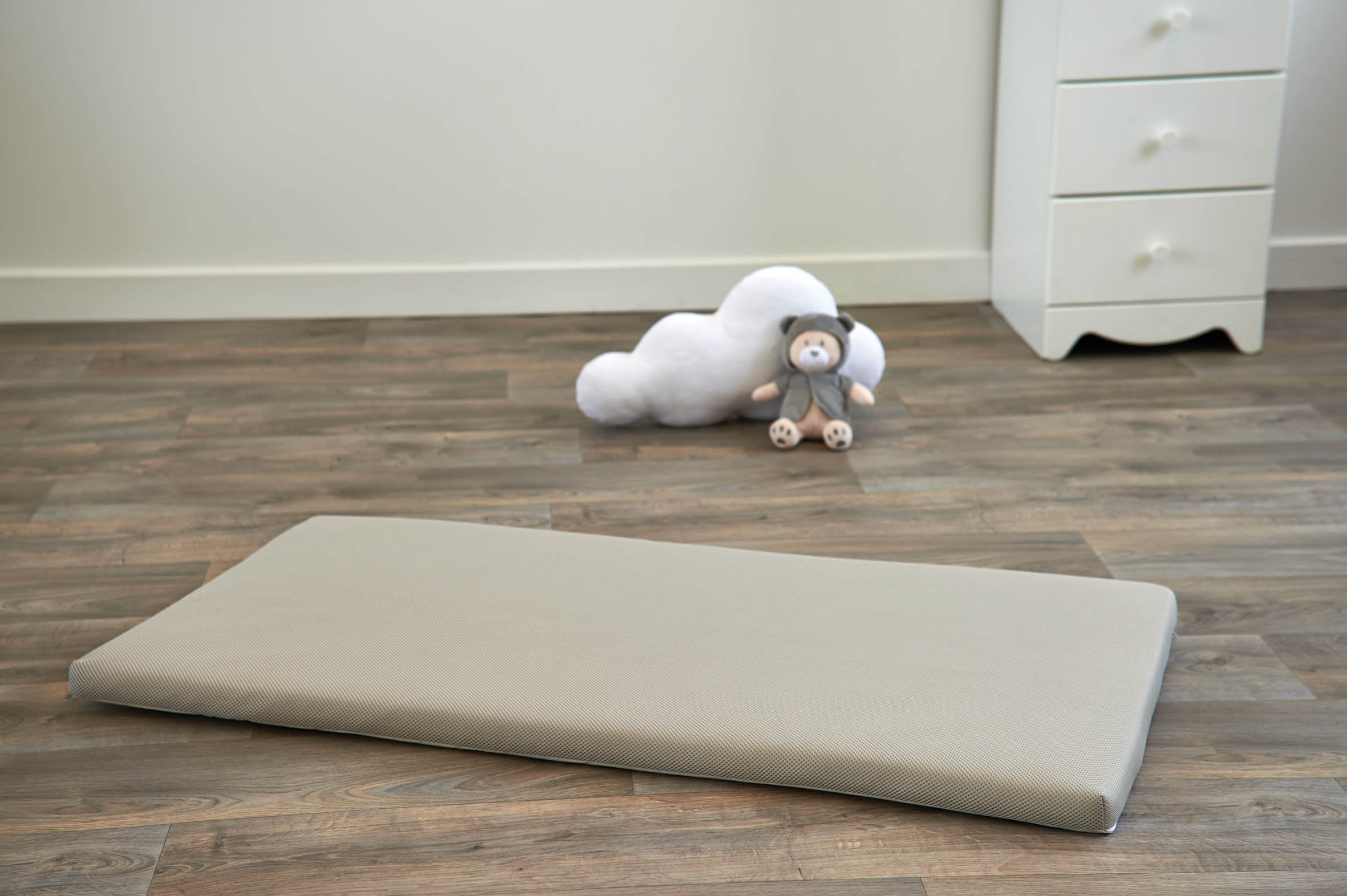 Air + baby travel mattress 60x120cm light gray
