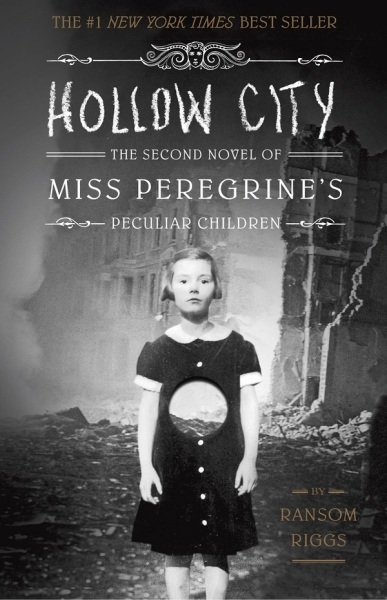 Miss Peregrines Peculiar Children 2: Hollow City / English Young Adult Books / (9781594747359)