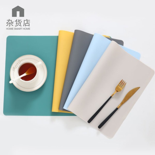 (Set of 2) Anti-slip Easy Clean SIlicone Dining Placemats