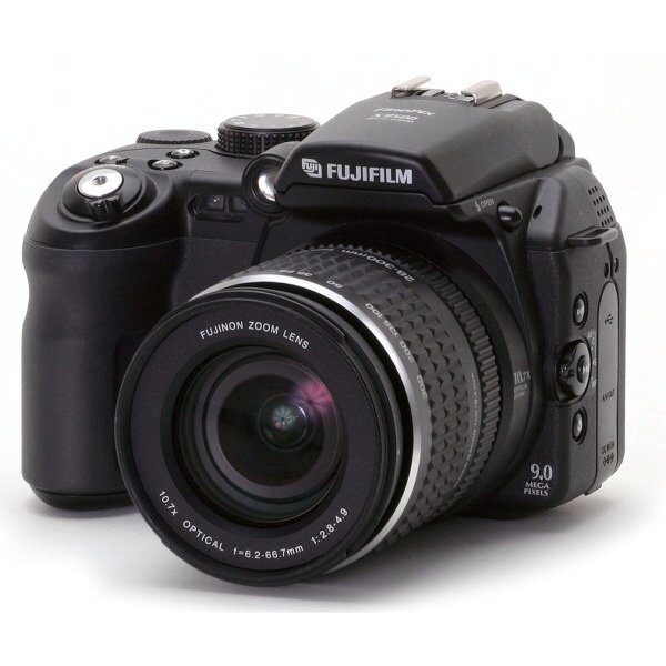 Low Cost Fujifilm Finepix S9000 9Mp Digital Camera With 10 7X Wide Optical Zoom Made In Japan Export
