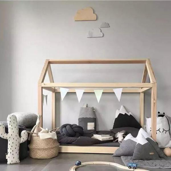 FIJN Wooden House Bed (2 Sizes)