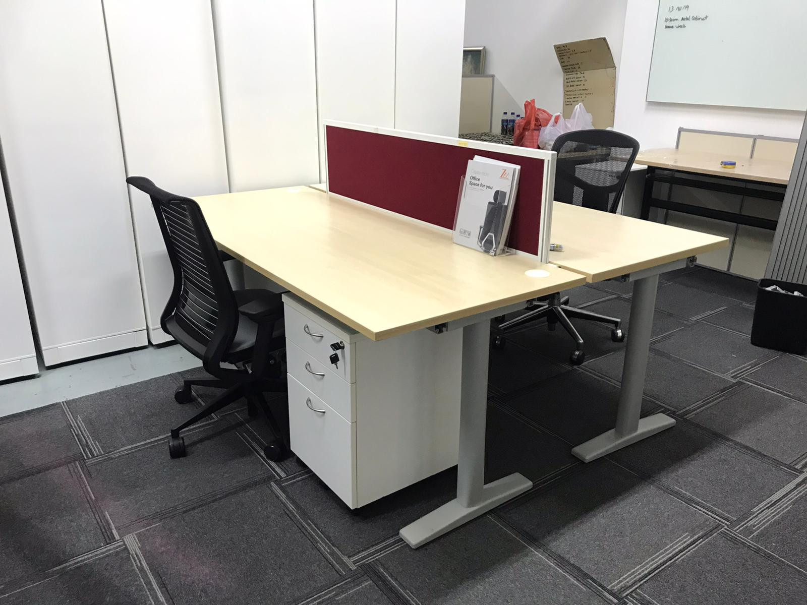 Herman Miller Office Table - Combined Herman Miller Office Table - Office Desk - Office Workstation - Office Workspace - Office Furniture - Wooden Table - Corporate - NewStar Furniture Collection | Lazada Singapore