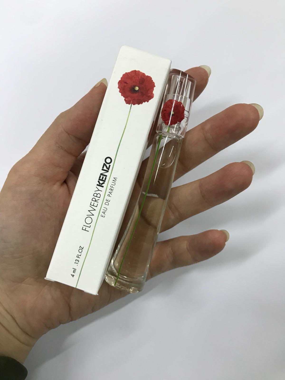 Christmas Special Kenzo Vials And Miniature Bundle Beureka Flower Woman Edt 100 Ml Original Free Vial By Edp Is A Powdery Floral Scent That Built On Three Basic Notes Woody Opens With Madarin Orange