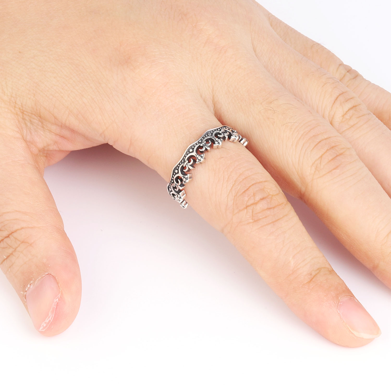 Mint! Lovely Sterling Silver Ring With Great Front Design Size 10